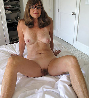 Nude sexy mature wife pictures