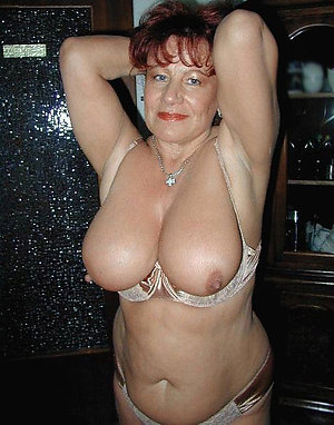 Gorgeous mature wife xxx pictures