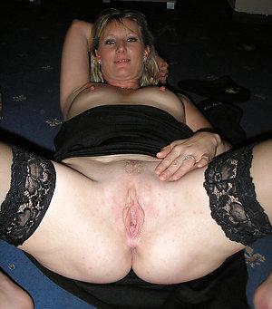 Naughty hot mature wife nude pics