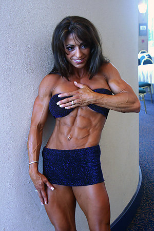 Pretty mature muscle women pics