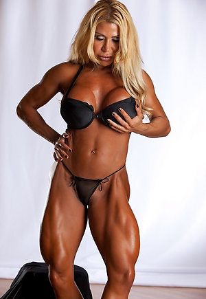 Nude mature muscle sex pics