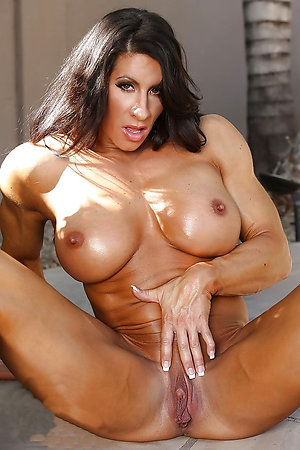 Amazing huge muscle women sex pics