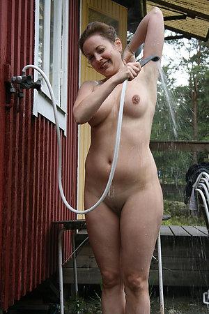 Pretty mature amateur nude photos