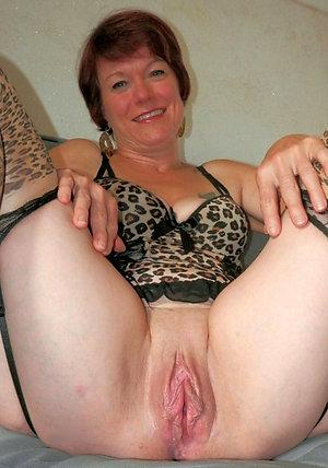 Amazing older women nude amateur pics