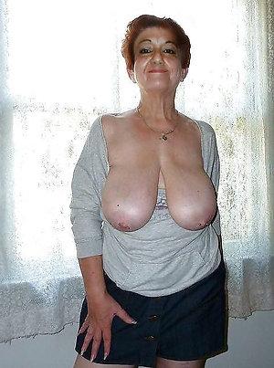 Sexy mature women nude amateur pics