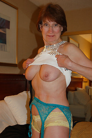 Best sexy old mom nude amateur photos