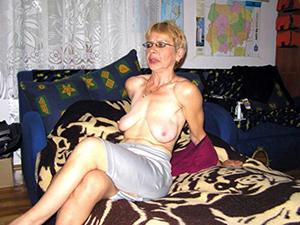 Gorgeous hot amateur mature women