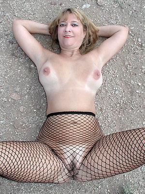 Pretty big ass mom porn pics