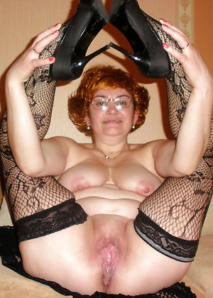 Gorgeous hot nude moms pictures