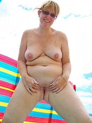 Free mom masturbating pictures