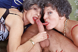 Naked mature bisexual threesomes