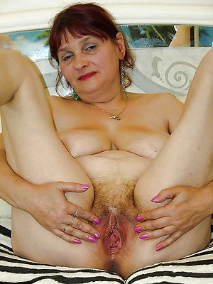 Free women with hairy pussy photo