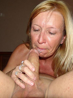 Free amateur granny nude photos
