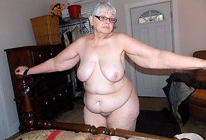 Xxx horny granny nude photos