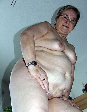 Homemade granny loves sex gallery