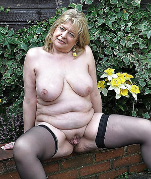 Sexy amateur hairy grannies pics
