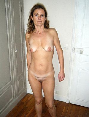 Amateur pics of mature nude blondes