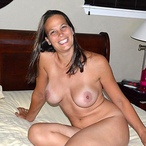 Real homemade mature nude model