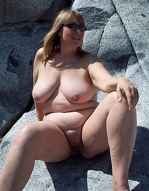Best free mature nude model