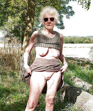 Xxx hairy old women pics