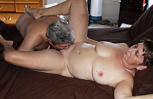 Free eating mature pussy pictures