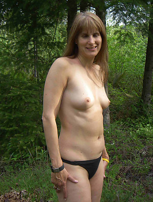 Hot free solo matures porn gallery