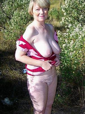 Xxx grown up slut wife photos