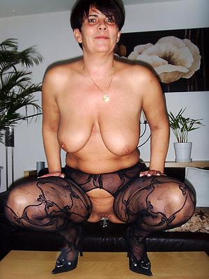 Nude horny mature slut pics