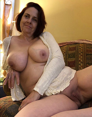 Amazing upfront mature slut galleries
