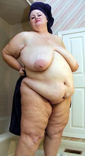 Nice fat mature woman porn pics
