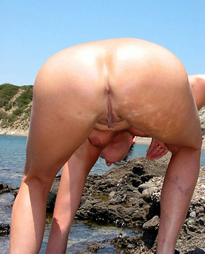 Free mature nude beach women