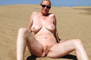 Free hot mature girls on the beach