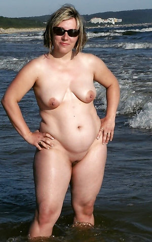 Favorite women naked on the beach