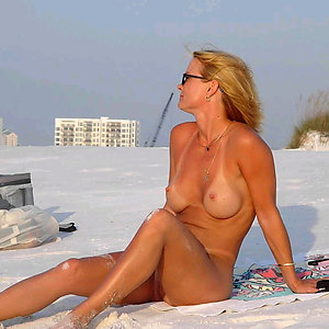 Real nude beach whores pics