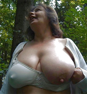 Free mature big tit gallery