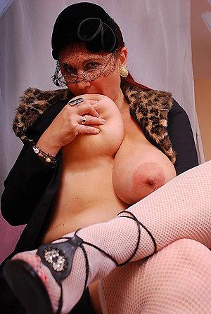 Horny big boobs mature women pics