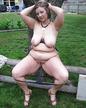 Hot mature big boobs pics