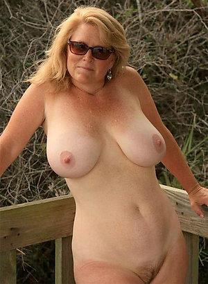 Real mature big boob porn pics