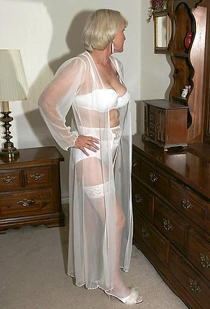 Attractive slut get hitched stockings porn gallery