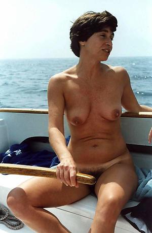 Real naked mature beach pics