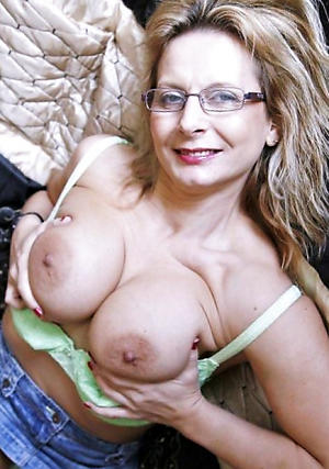 Xxx mature housewife pussy pictures