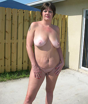 Xxx horny mature housewife galleries