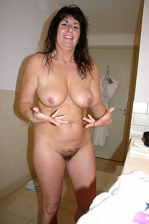 Favorite naked mature housewife