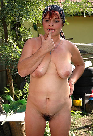 Sexy hot amateur mature housewife