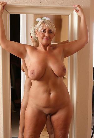 Xxx mature nude ladies pictures
