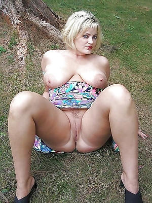 Real sexy mature lady free galleries