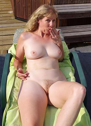 Denuded mature lady unskilled pics