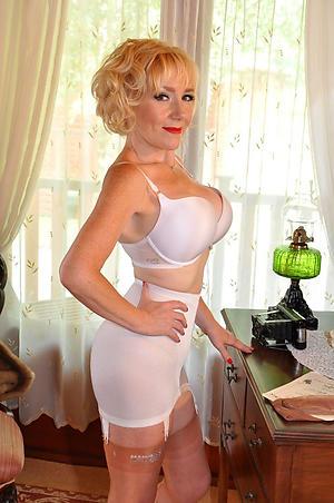 Sexy mature ladies porn pics