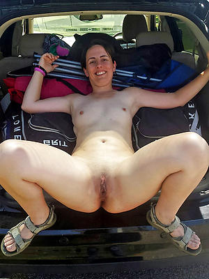 Amateur mature in buggy pics