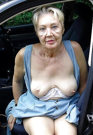 Best hot mature with motor car